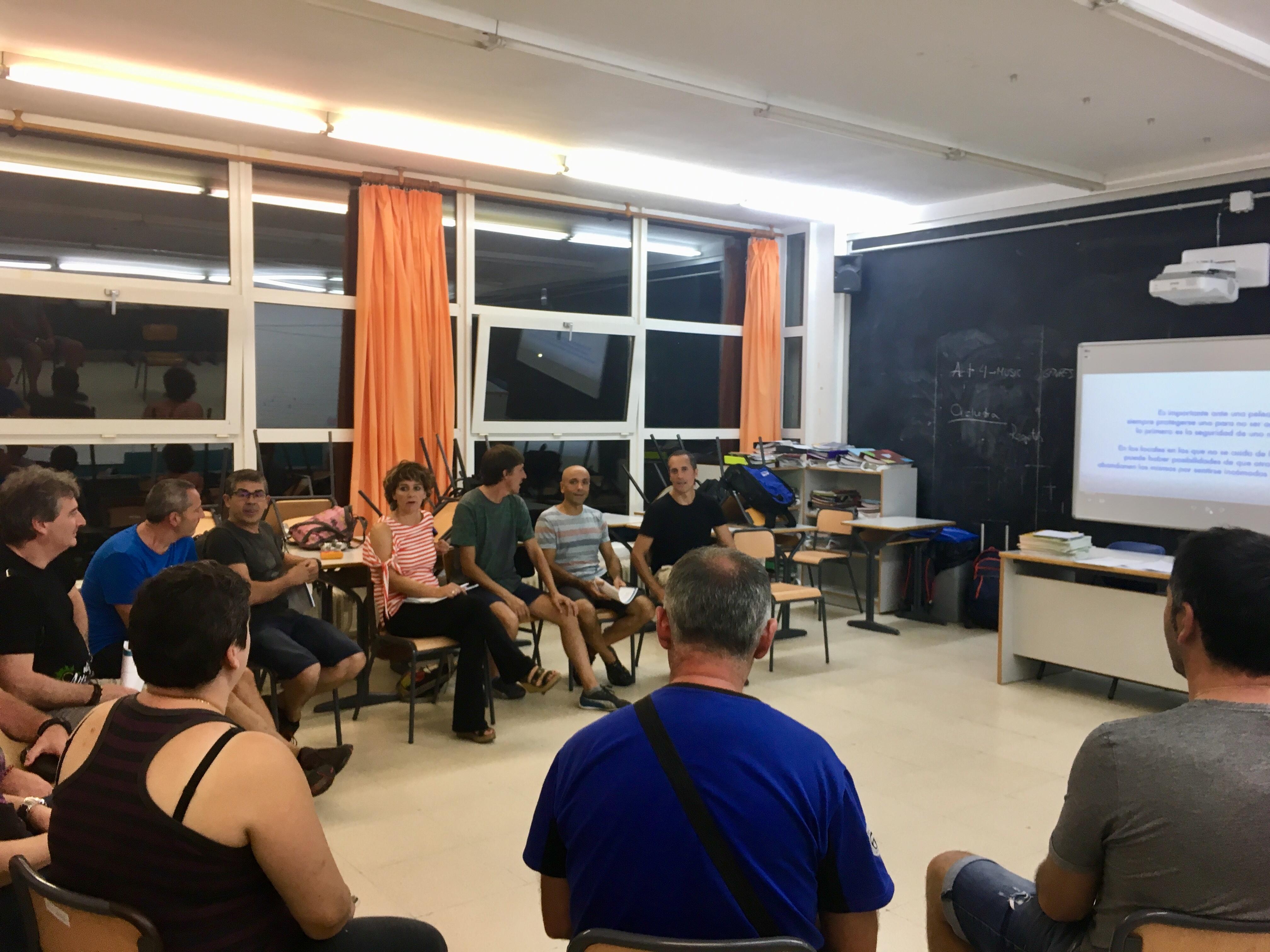 Formación en reducción de riesgos asociados al consumo de drogas dirigida a personas que van a trabajar en Nafarroa Oinez como voluntarios